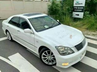 Toyota Crown,  With Sunroof  Km: 65000, Year; 2005.  16.5Mil. #0747704959